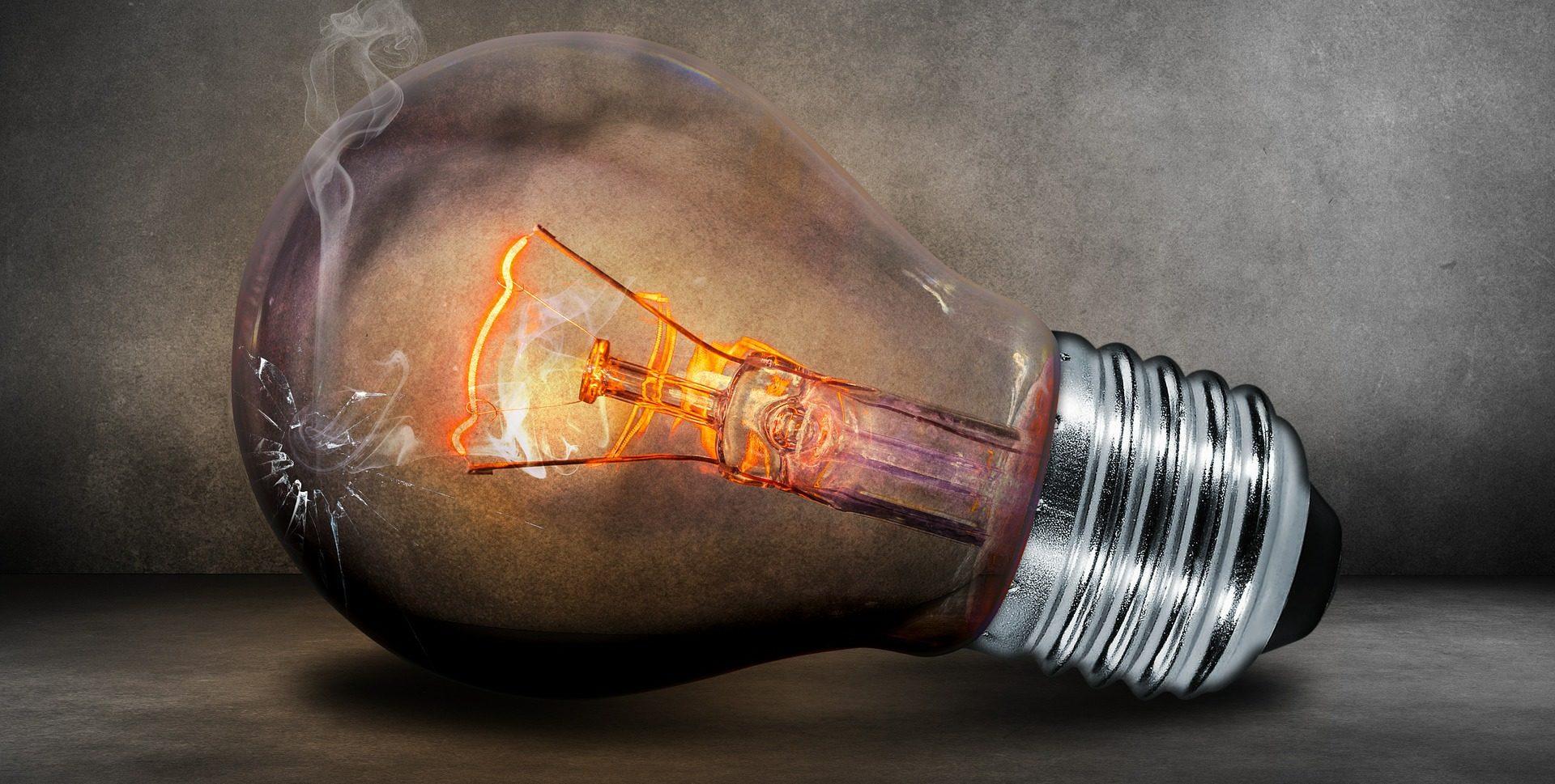 light-bulb-503881_1920-e1474233382516